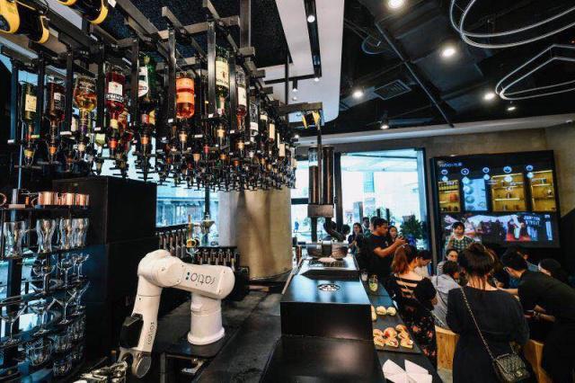 前百胜高管入局餐饮自动化,用机器人调制鸡尾酒和咖啡